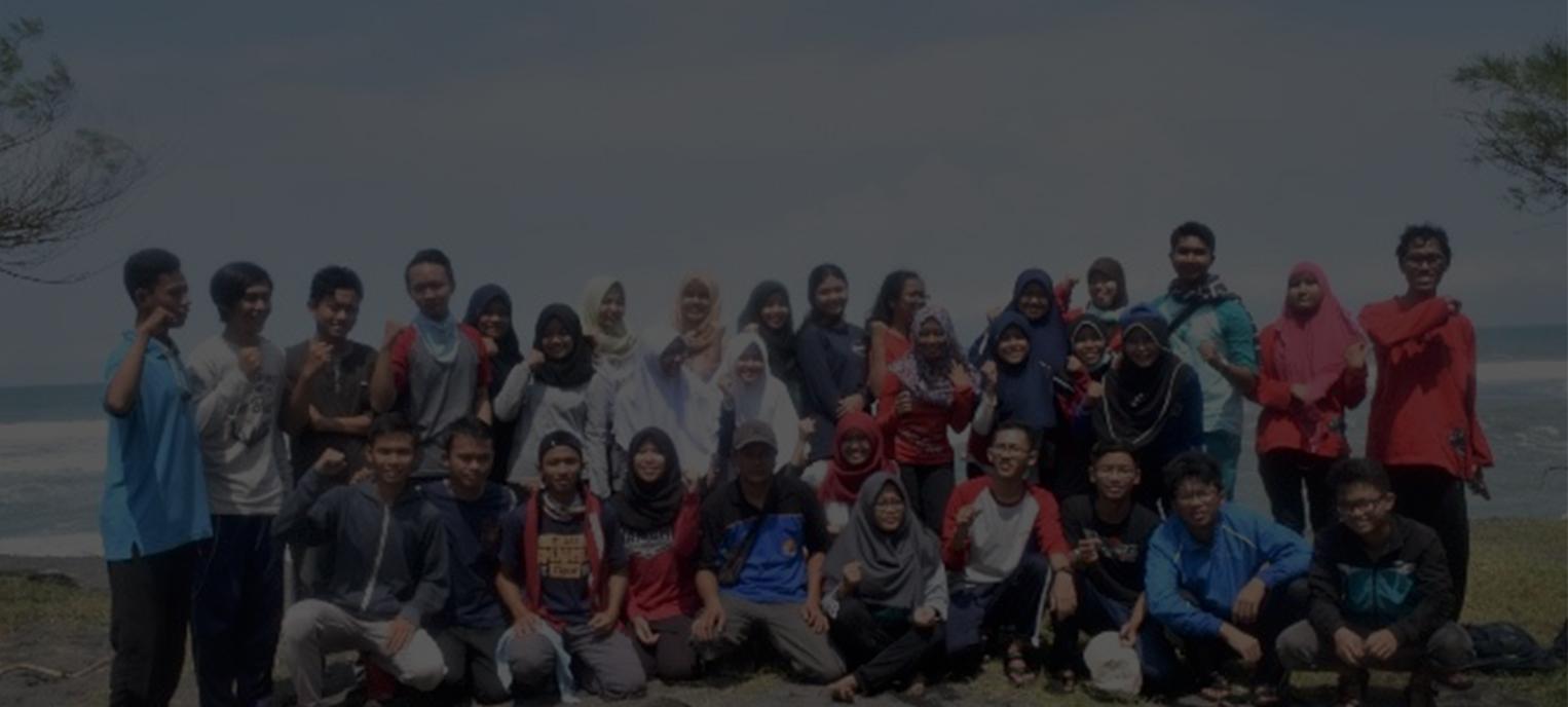 Bersih Pantai Pandansari, Bantul, Yogyakarta
